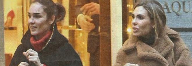 Ilary Blasi e Silvia Toffanin fanno shopping a Milano