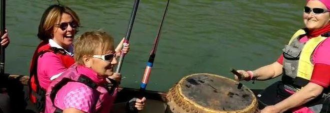 """Roma, giornata salute della donna, il ministro Lorenzin in acqua per la """"regata rosa"""""""