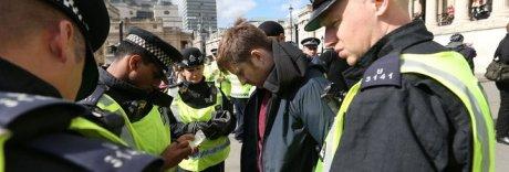 Regno Unito, arrestati due 15enni «Pianificavano azioni terroristiche»