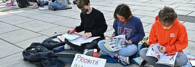 Covid e scuola, torna l'incertezza: in Campania sono possibili nuovi rinvii