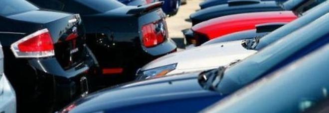 Auto di lusso vendute online: maxi-truffa con più di 800 persone raggirate