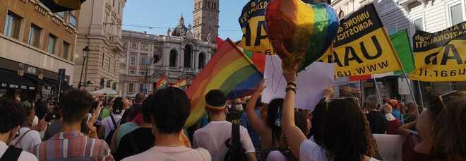 Pride a Roma, folla in piazza e slogan pro Ddl Zan: « Vogliamo i nostri diritti»