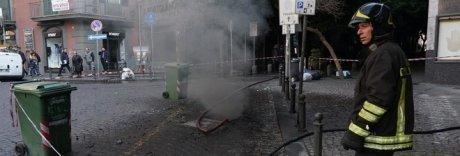 Napoli, blackout e panico a Chiaia: in fiamme cavi elettrici sotto terra