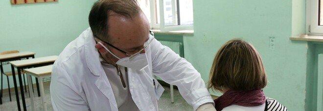 Vaccinazioni oltre l'80% in provincia Il litorale in fondo alla lista con il 60%