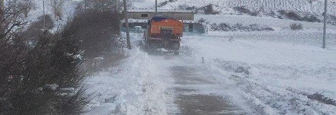 Ghiaccio e neve: un intero paese resta a secco di acqua