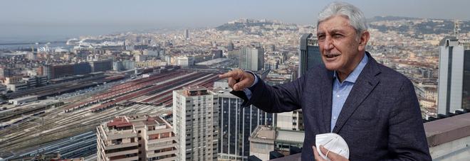 Napoli vista dall'alto, Antonio Bassolino si racconta a 124 metri d'altezza: «Una città dai mille colori»