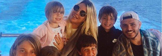 Wanda Nara, ira Maxi Lopez: «Era a Ibiza con Icardi, ora ho due figli positivi al Covid»