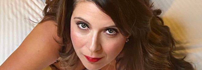 Mamma vende foto sexy sul web: i suoi tre figli espulsi dalla scuola elementare in California