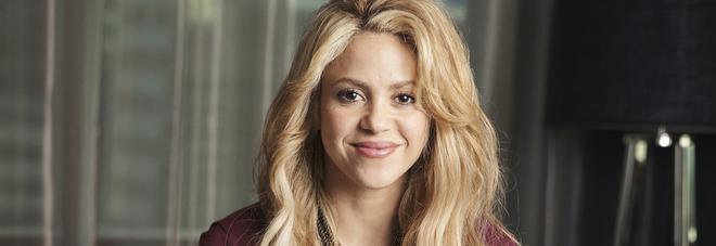 Shakira sta male, rinviate tutte le date del suo tour in Europa: