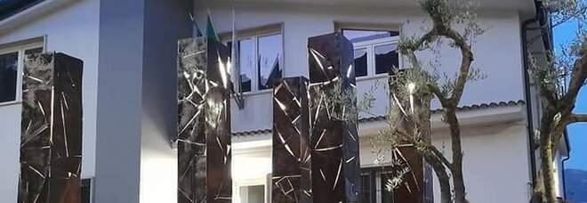 «Sette colpi»: l'installazione a Polla per ricordare Mimmo Beneventano, ucciso dalla camorra