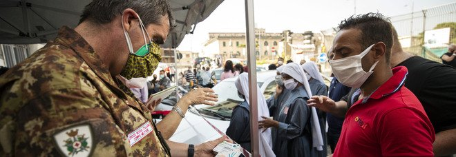 Covid in Campania, oggi 199 positivi e 11 morti: l'indice di contagio scende al 2,29%, mai così basso