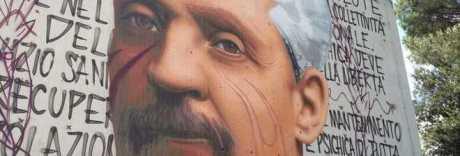 Napoli, Jorit disegna Cardarelli: l'omaggio sul muro dell'ospedale