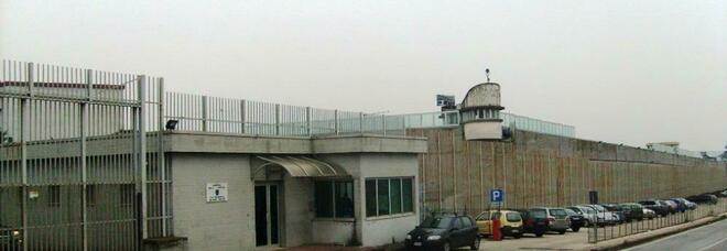 Carceri, detenuto morde agente nella struttura di Ariano Irpino