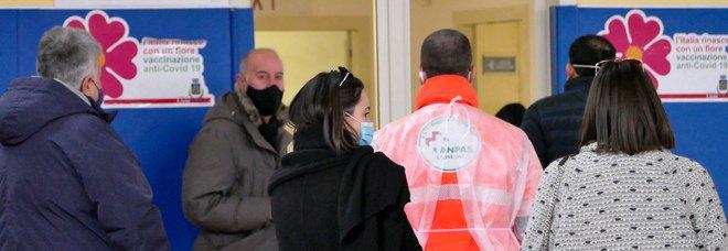 Vaccino Covid, svolta lontana ad Avellino: l'Asl cerca «somministratori»