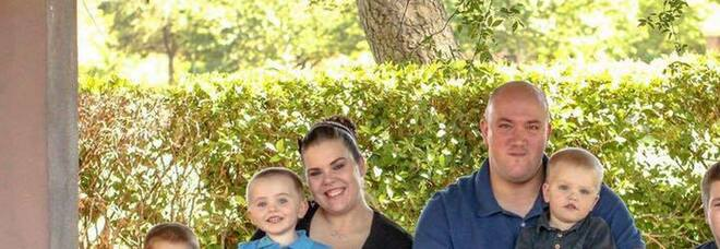 «I miei figli non hanno più un padre perché abbiamo esitato», 39enne non si vaccina e muore di Covid