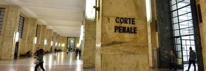 Milano, nascondeva telecamere nelle stanze affittate alle ragazze: a processo un 64enne