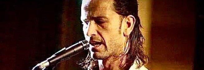 Covid a Eboli, morto Gianmaria Pastore: il chitarrista stroncato dal virus a 40 anni