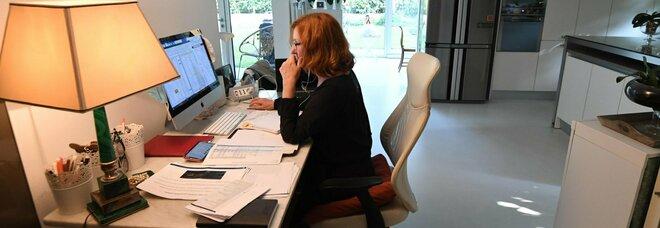 Smart working, ecco le regole: nel contratto fasce orarie e controlli