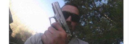 Igor il russo, selfie con la pistola prima degli omicidi: le foto e i video