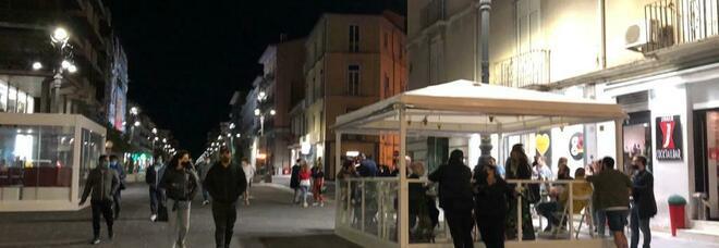 Salerno, addio al coprifuoco: «Ma la città è in balìa dei vandali»