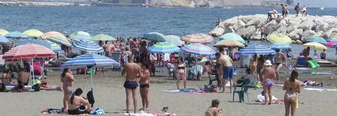 Covid in Campania, oggi 194 positivi e quattro morti: l'indice di contagio sale all'8,94%, aumentano anche i ricoveri