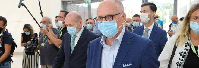 Italia zona rossa, Ricciardi: «Lockdown rigido a febbraio, poi via ai vaccini di massa»