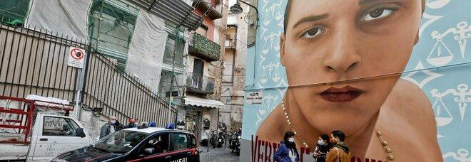Murales dei clan a Napoli, la minaccia su Fb: «Se cancellate Ugo Russo le altre opere saranno sfregiate»