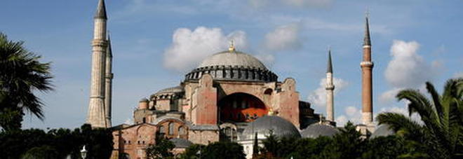 Santa Sofia, l'Ue alla Turchia: «Mantenere lo status attuale»