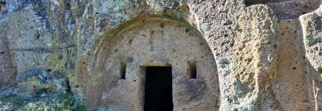Necropoli Cavo degli Zucchi