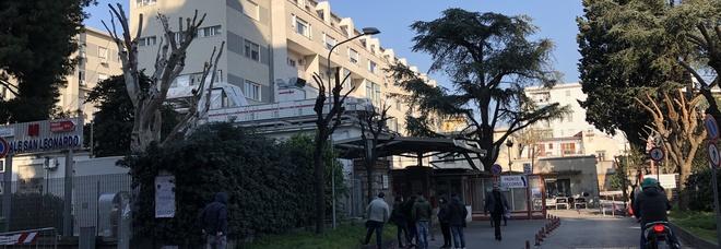 Castellammare, l'ospedale San Leonardo scoppia: il pronto soccorso è in tilt
