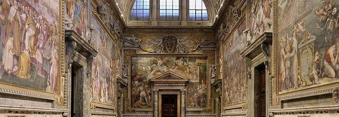 Vaticano, danni da umidità alle capriate del tetto della Sala Regia: caduti stucchi