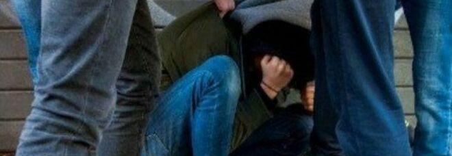 Napoli, 31enne accoltellato da babygang: volevano il cellulare