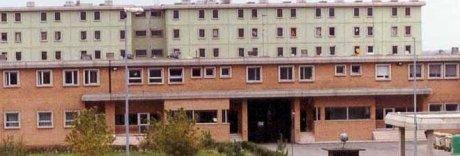 Detenuti incendiano i materassi a Ferrara: decine di intossicati