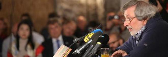 Caduta per Guccini, annullato incontro a Bologna