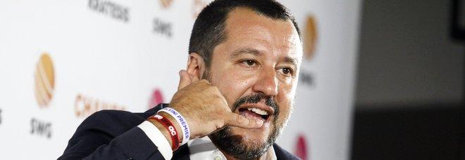 Salvini: «In pensione con quota 100 e al massimo 62 anni»