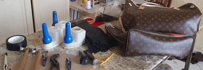 Napoli capitale del falso: sequestrate settemila copie di borse Louis Vuitton, Fendi e Armani
