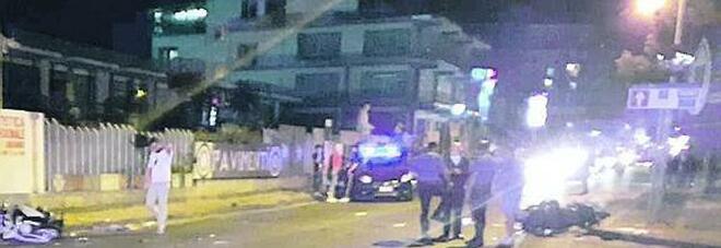 Due motorini si scontrano sulla Statale: morto un 17enne, tre ragazzi feriti