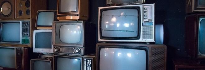 Bonus tv, sconto fino a 100 euro: ecco come funziona ma i fondi potrebbero finire presto