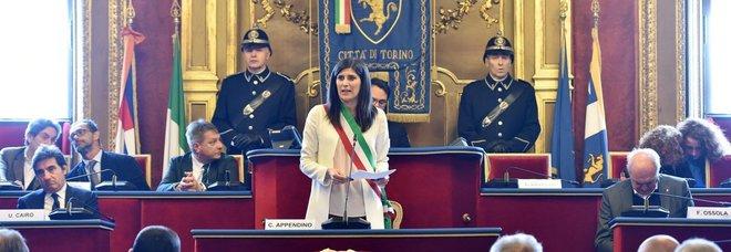 Torino, l'Appendino tra dimissioni e rimpasto della giunta per fare fuori i pasdaran grillini