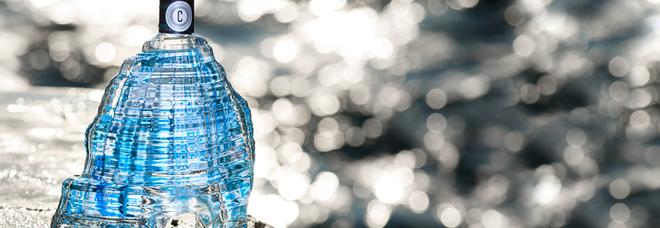Caprisius: il gin ai sapori di Capri realizza una bottiglia-gioiello a forma di faraglione