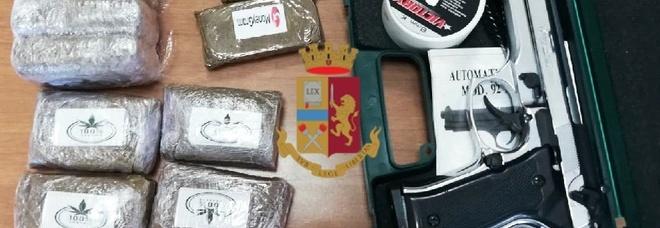 In casa un chilo di hashish, una pistola e un coltello: arrestato 42enne a Pozzuoli