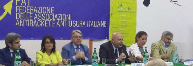 Napoli a porta capuana la nuova associazione antiracket - Associazione venditori porta a porta ...