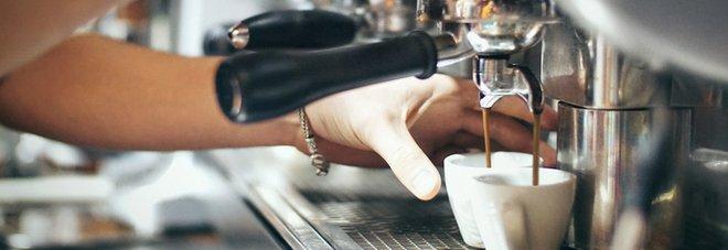 Controlli anti-Covid a Ercolano, sette sorpresi al bar fuori orario e multati