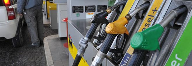 Benzina e diesel, i prezzi risalgono dopo il lockdown: la verde supera gli 1,4 euro al litro