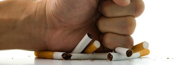 Chi smette di fumare mangia di più? Uno studio svela che l'astinenza dal fumo non influisce sul desiderio di cibo