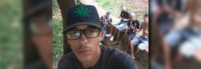 Brasile, giovane sale su un albero per scattarsi un selfie, scivola e muore