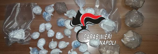 Traffico di stupefacenti, arrestati due uomini e una donna nel Napoletano