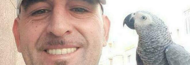 Italiano ucciso a Gran Canaria, la moglie: «Aveva nuovi amici, tante persone giravano in casa»