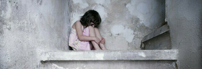 Francia, La Commissione che indaga sugli abusi stima 10 mila vittime nell'arco di 70 anni