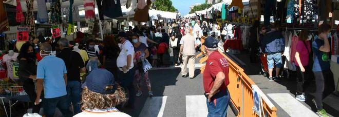 Un mercato ambulante